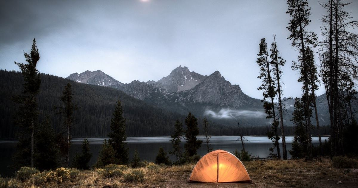 Safety Tips for Camping Alone_1